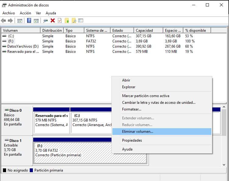 Eliminar volumen en el administrador de discos para hacer particiones en una memoria USB